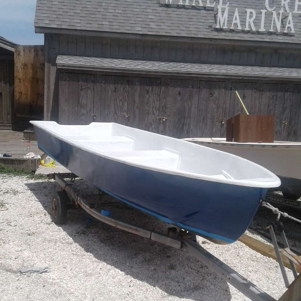 "WCM Work Boat ""Speedy"" with new paint job"