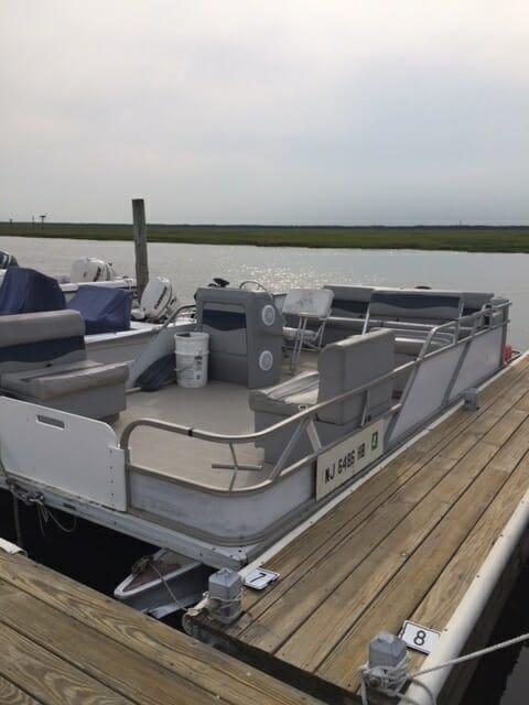 Whale Creek Marina 20 foot pontoon boat